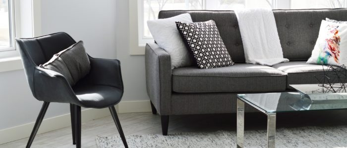 8 Steps to Speed Clean Your Living Room